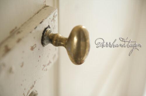 Renovering fortsätter: Dörrar och lås. Behöver hjälp.